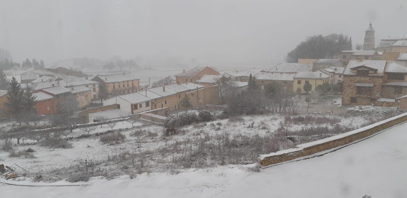Las primeras nieves del año en la Comarca de Molina de Aragón
