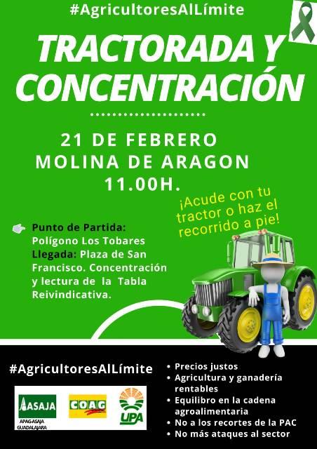 El  campo protesta en Molina con una tractorada ante su situación límite