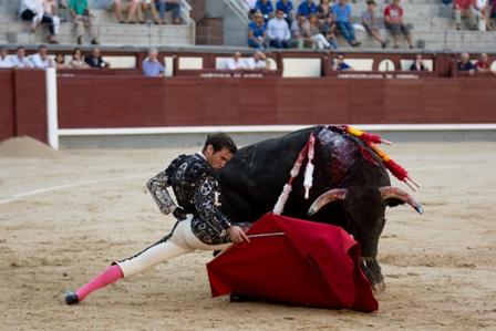 El torero Juan Ortega, oriundo de Checa, triunfa en Linares