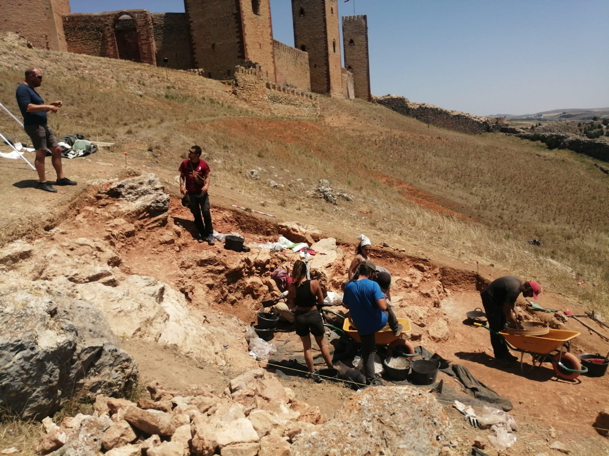 Los trabajos en el castillo de Molina desvelan cómo era la sociedad feudal y su paisaje