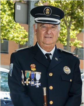 Julio Establés se jubila como Intendente-Jefe de la Policía Local